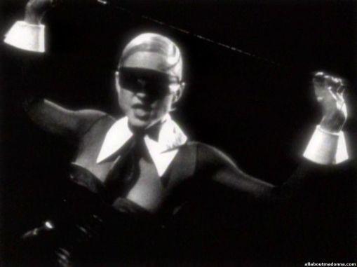 madonna-erotica-video-cap-0056