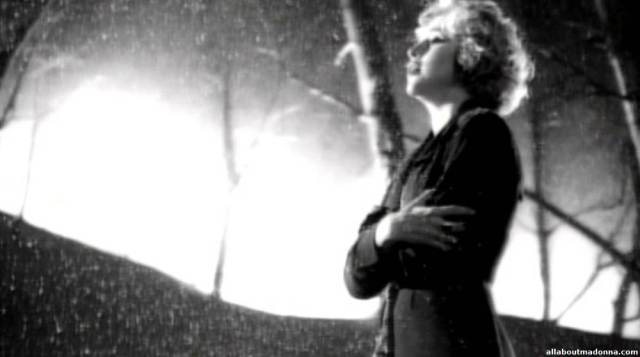 madonna-oh-father-video-cap-0024