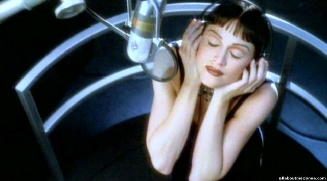 madonna-ill-remember-video-cap-0031