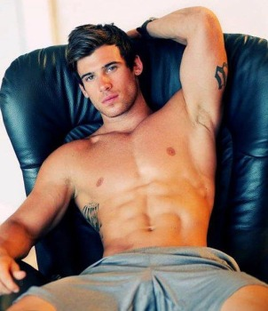 hot-guys-tattoos